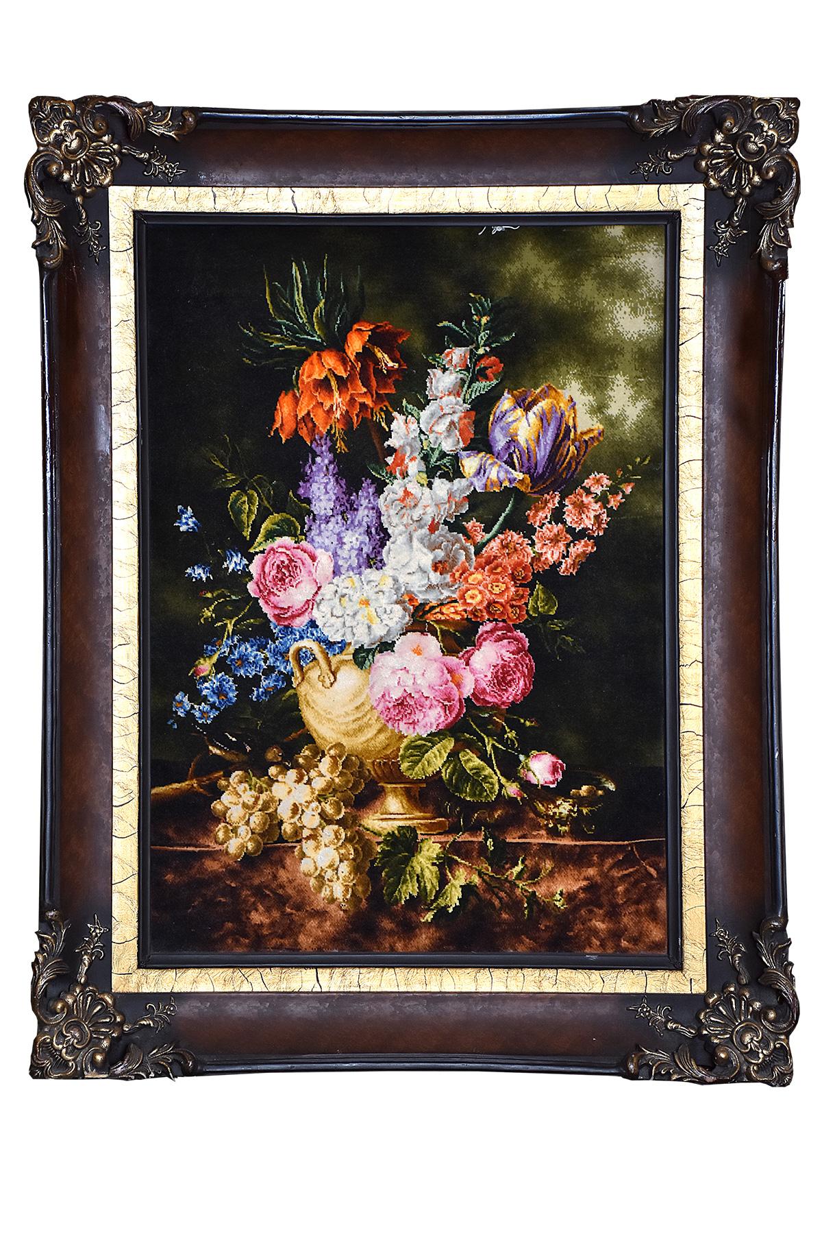 تابلو فرش دستباف گلدان و خوشه انگور اثر استاد بیگی